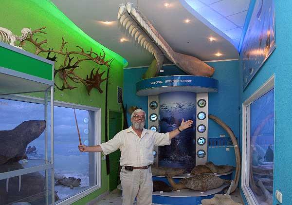 Профессор М. В. Юрахно приглашает на  виртуальную экскурсию по зоомузею
