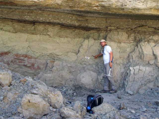 Эндрю Фарк (Andrew A. Farke) на раскопках. Фото Andrew Farke, Joseph Sertich